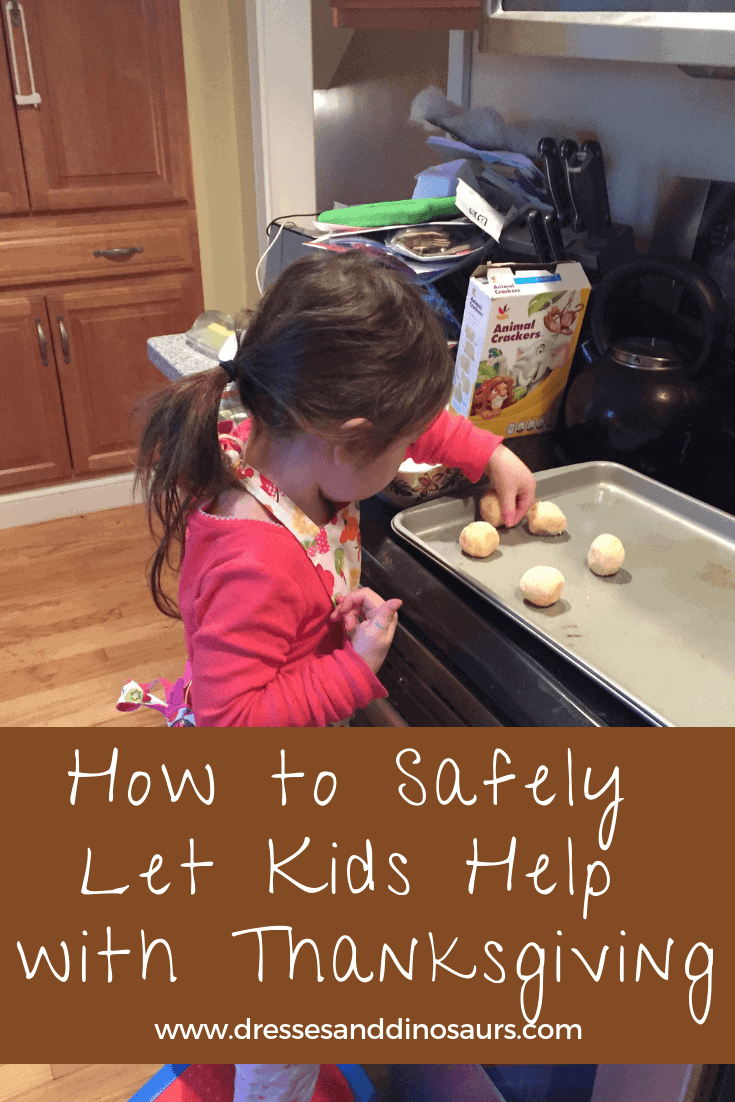 Check out these ideas to have kids safely help prepare for Thanksgiving Dinner #thanksgiving
